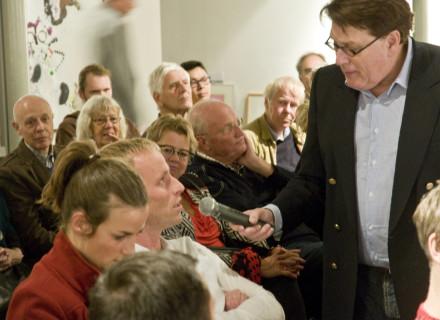 Victor Deconinck interviewt het publiek - foto: Allard de Goeij